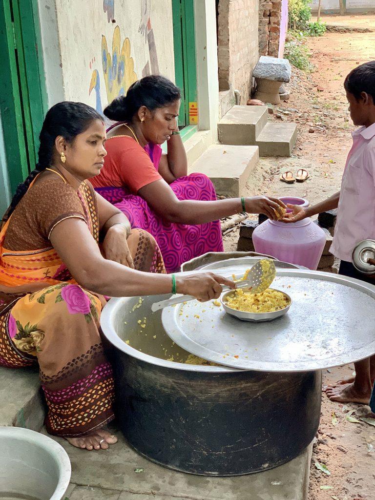 femmes village stage infirmier en inde
