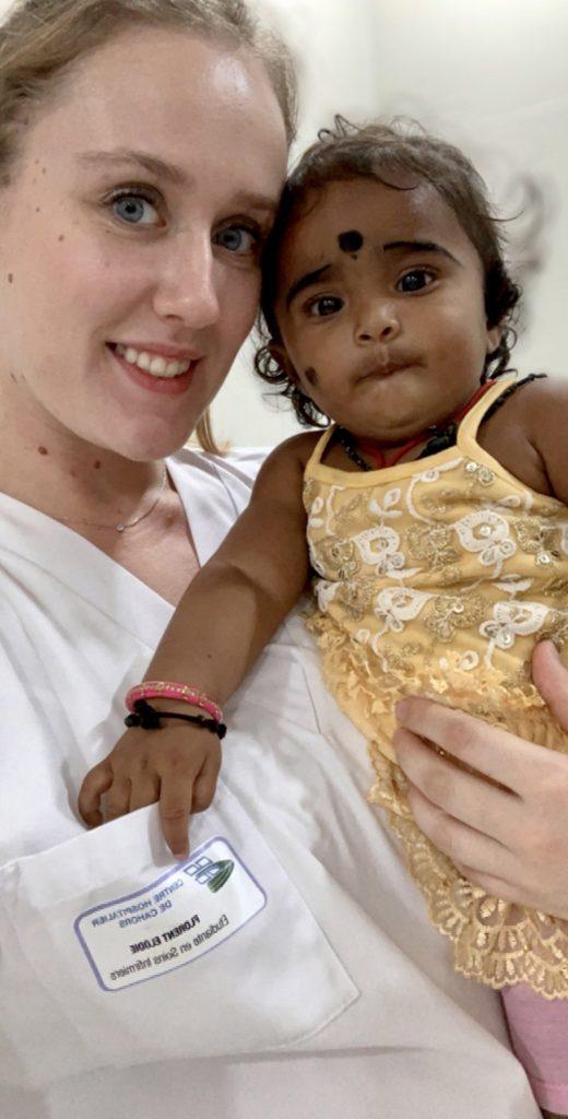 femme bebe stage infirmier en inde